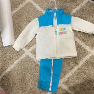 New 6/9 month outfit